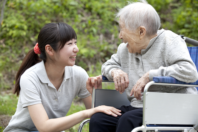 【紹介予定派遣】これまでの経験を生かせるアットホームな介護施設です♪